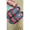 Chanclas Levi's con velcro ajustable