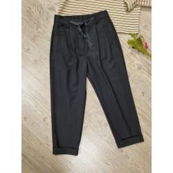Pantalón negro pinzas de la firma Dixie para chica